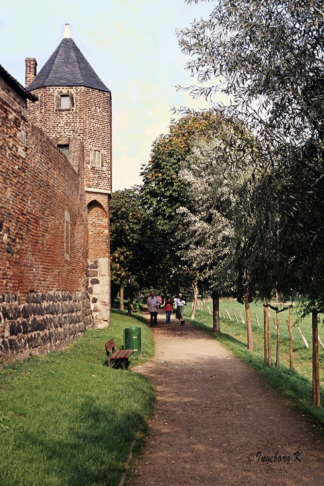 Zons - Burgmauer