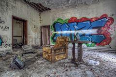 zu Besuch in einem verlassenen Altenheim