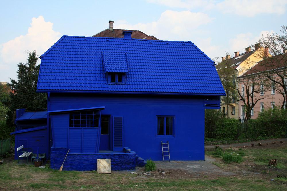 (zu) blau?