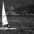 ...zügig voran mit Wind auf dem Segel.........