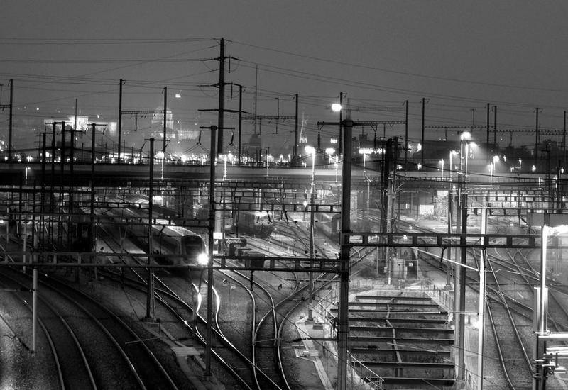 Zürich Hardbrücke, nachts