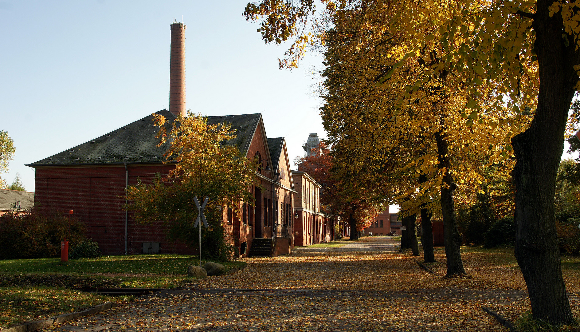 Zufahrtsstraße zur ehem. Brikettfabrik Knappenrode