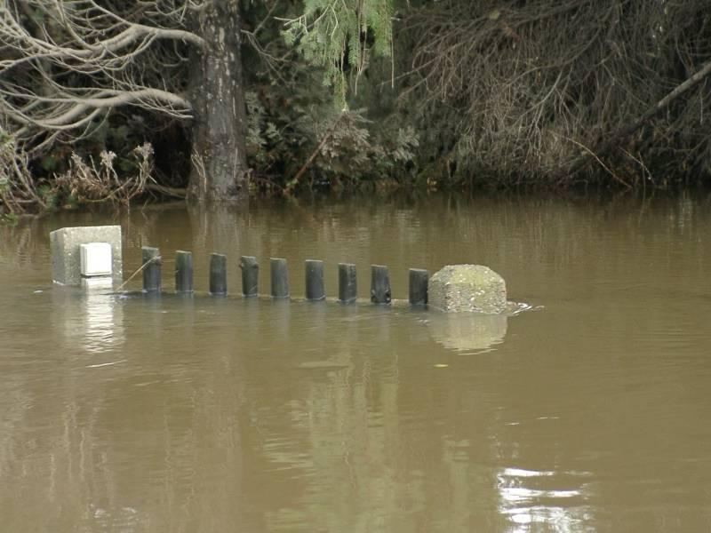 Zugangstür bei Hochwasser