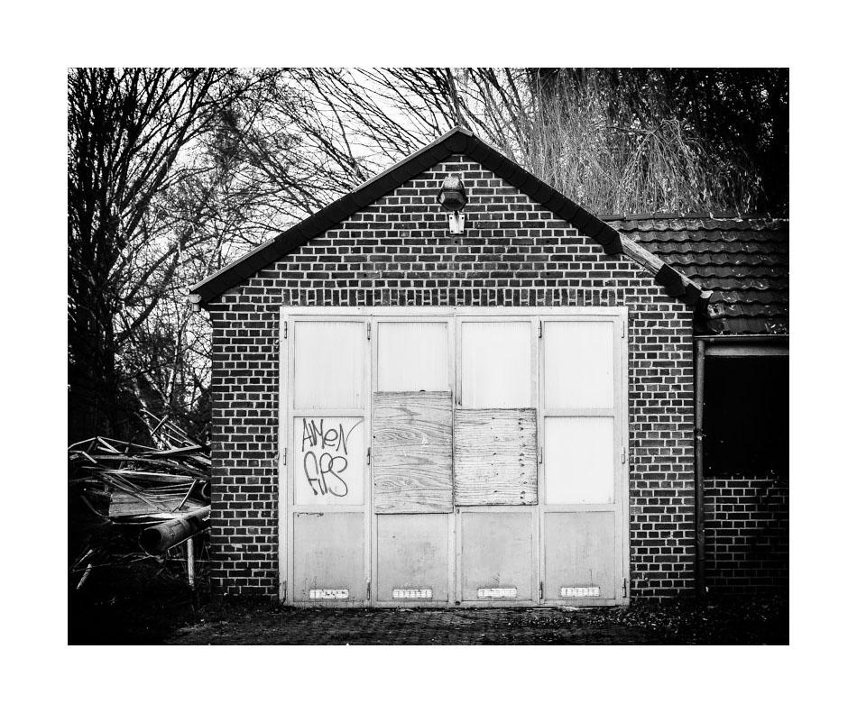 Zugeschraubt - das Feuerwehrhaus
