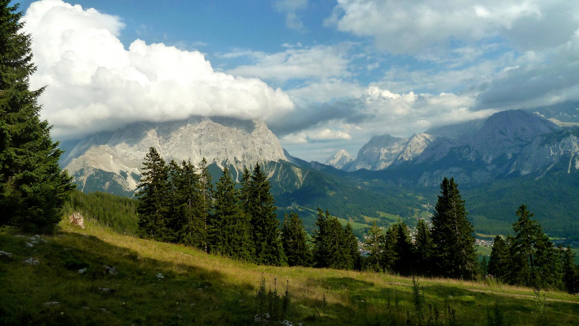 Zugspitzmassiv in Watte