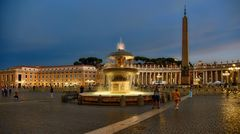 Zum 1. Weihnachtsfeiertag der Petersplatz in Rom
