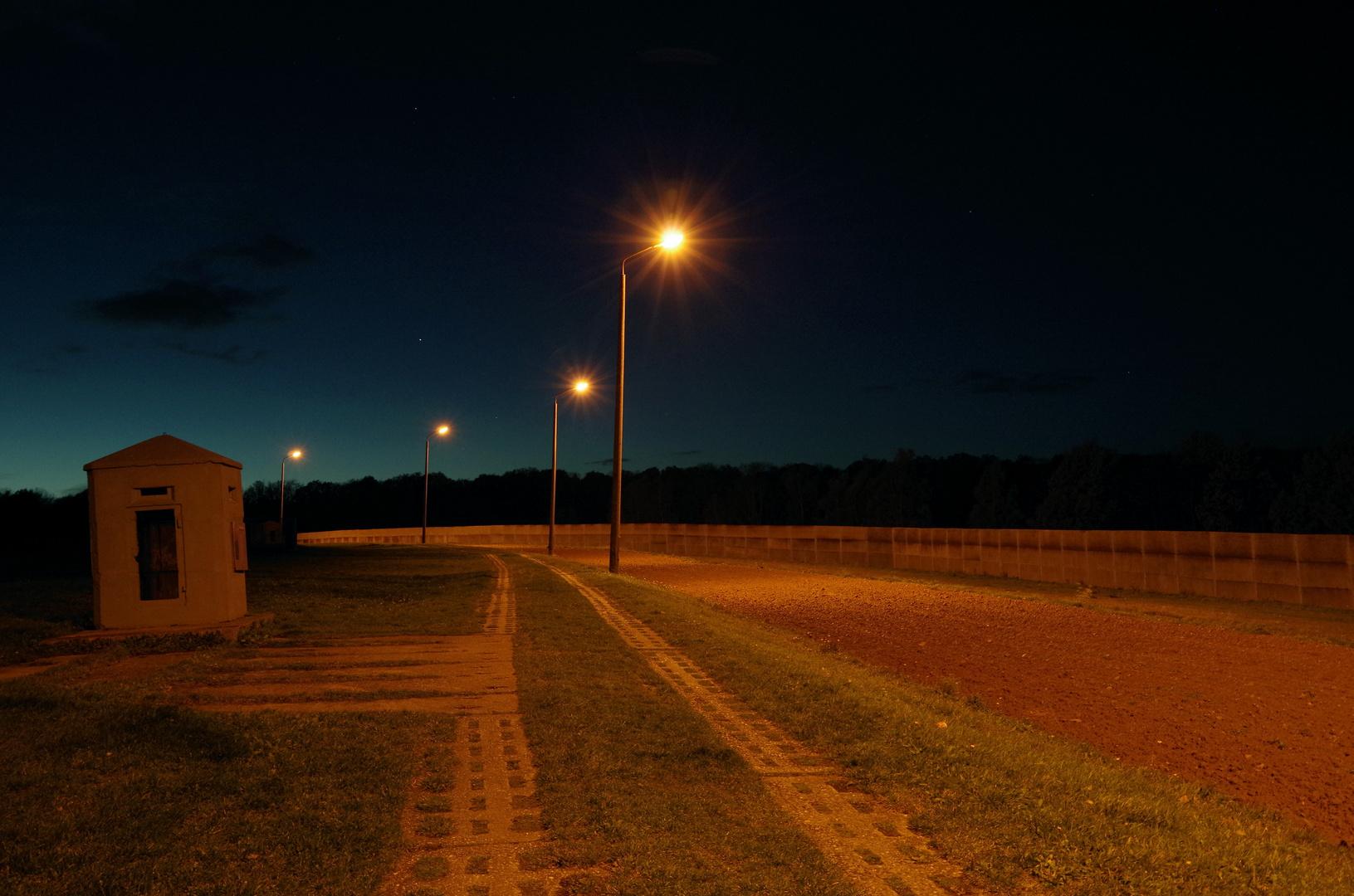 ...zum 9.November: DDR-Grenze bei Nacht (Nr.2)