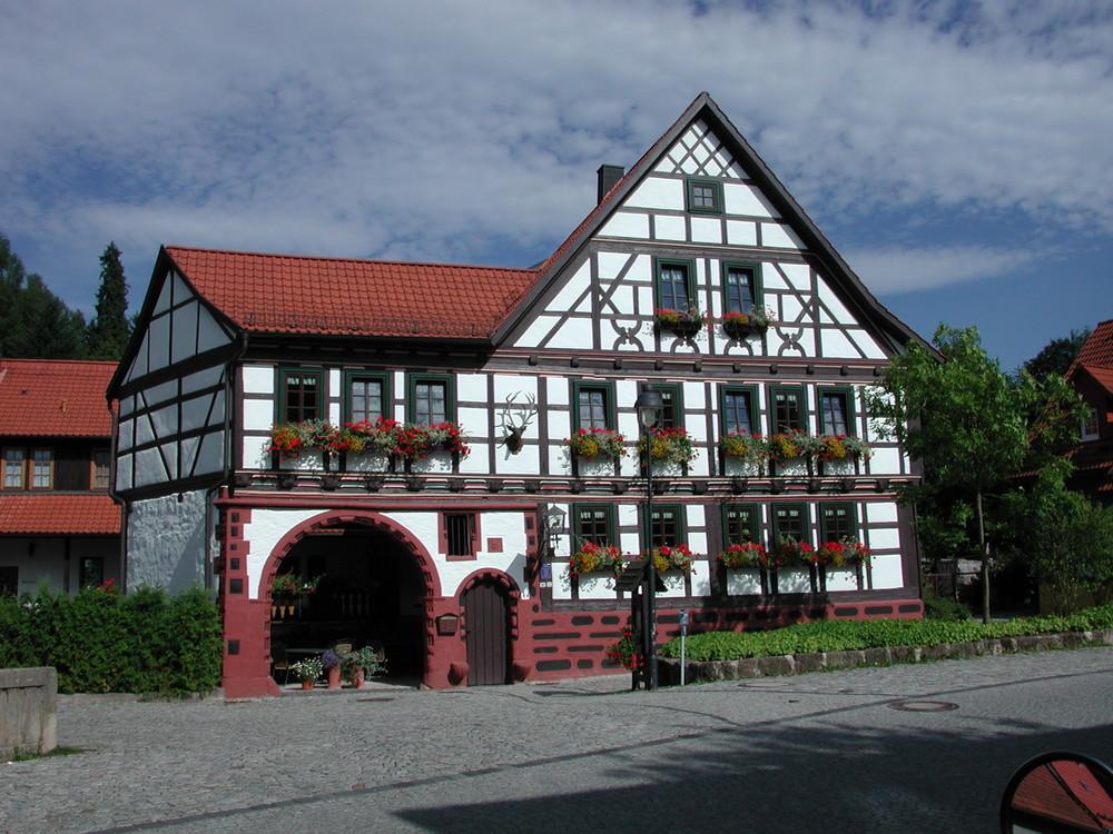"""""""Zum Goldenen Hirsch"""