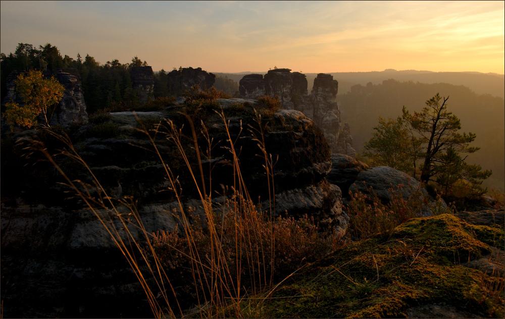 Zum Sonnenaufgang auf der Bastei ...
