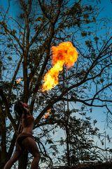 Zum Thema: Spiel mit dem Feuer