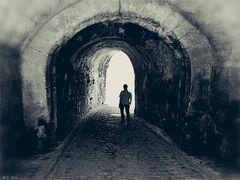 Zum Totensonntag...........Licht am Ende des Tunnels.