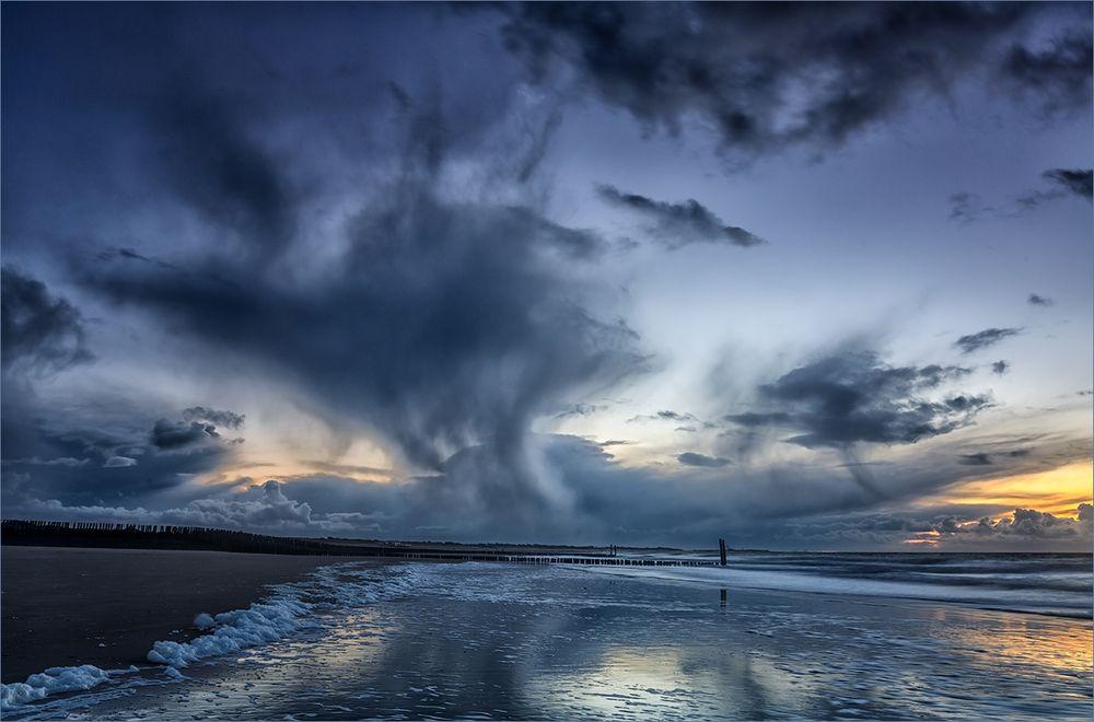 Zur blauen Stunde am Meer ...