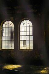 Zwei alte Fenster
