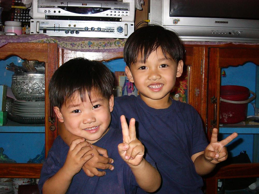 Zwei Brüder, siegesgewiss