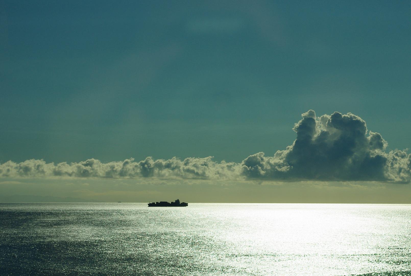 Zwei Frachtschiffe