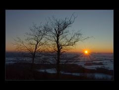 Zwei Freunde in Betrachtung des Winterlichts... (Hommage an C. D. Friedrich)