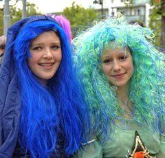 Zwei Gothaer Wassernixen beim Gothardusfest 2014