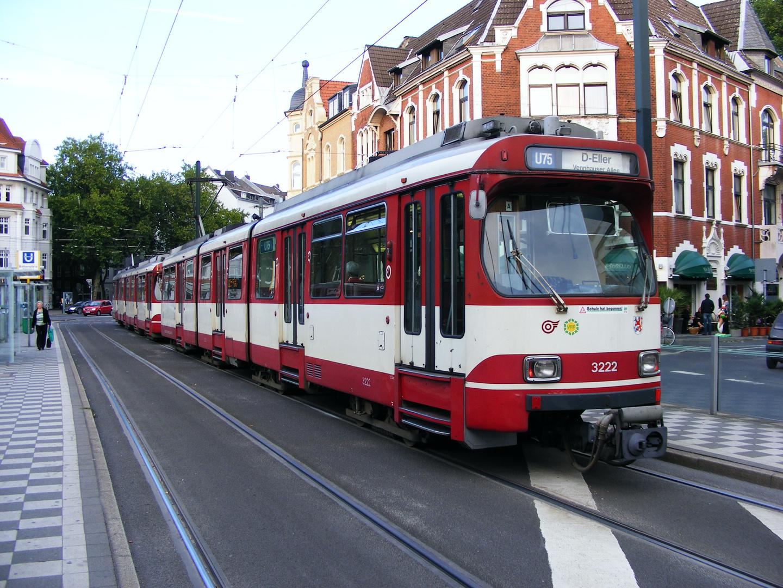 Zwei GT8SU am Belsenplatz