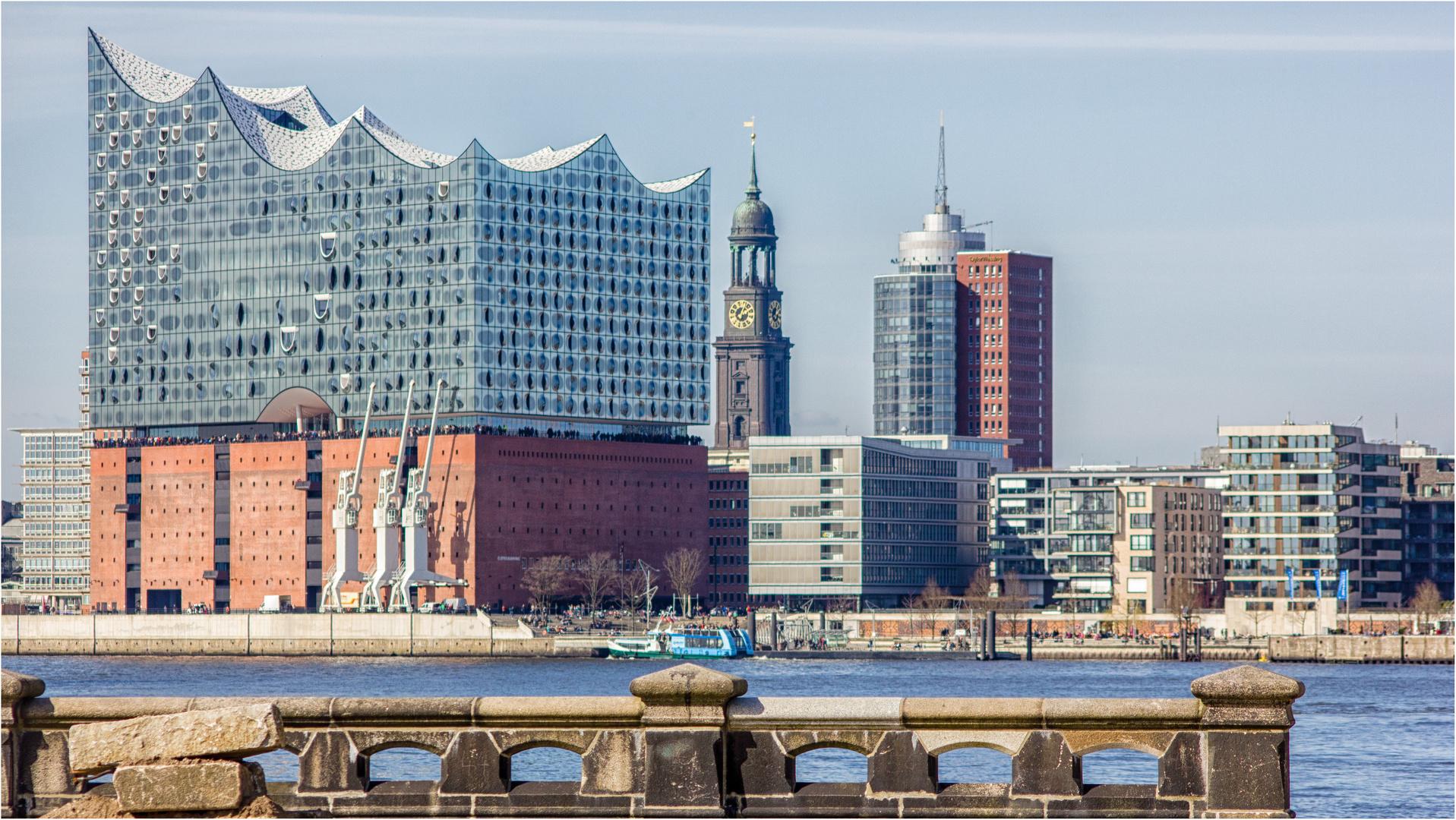 Zwei Hamburger Wahrzeichen Foto Bild Hamburg Architektur