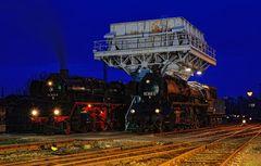 Zwei Lokomotiven der Baureihe 50.35 ...