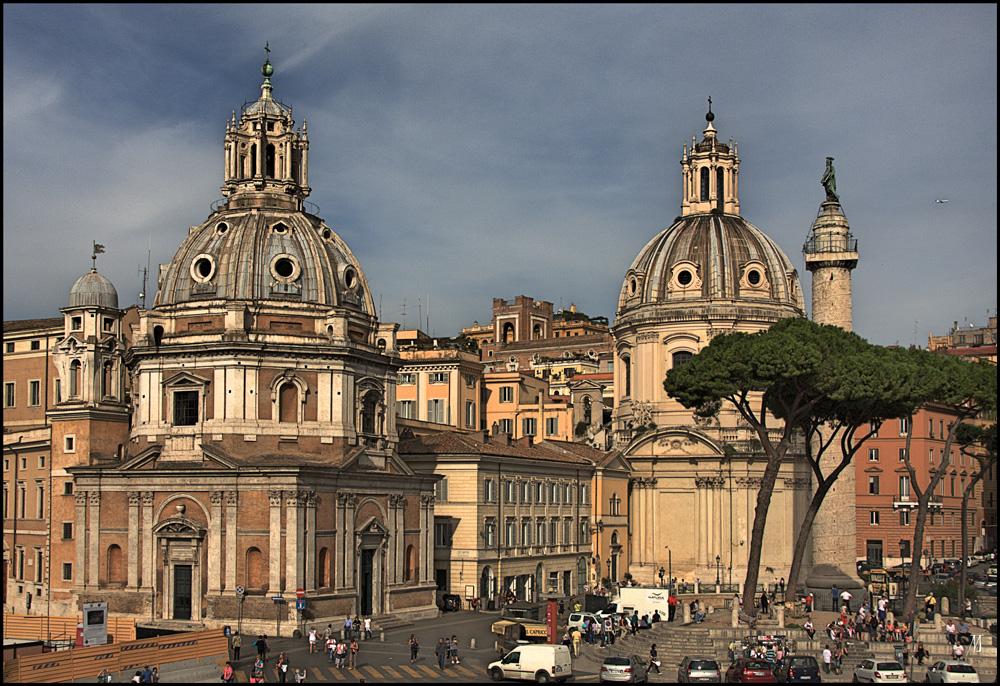 Zwei Marienkirchen neben der Piazza Venezia, Rom.