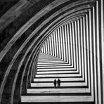 Zwei Menschen im Tunnel