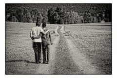 zwei nachdenkliche Wanderer ...