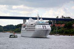 """Zwei """"Passagierschiffe"""" ;-)))"""