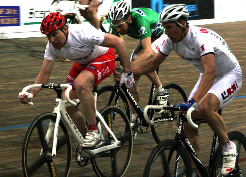 Zweier-Mannschaftsfahren in Büttgen