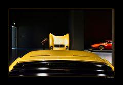 - zweimal Lamborghini Miura S -