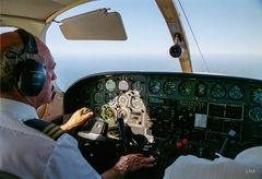 Zweimotorige Cessna