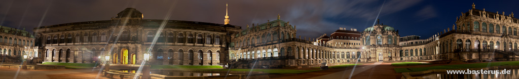 Zwinger Dresden bei Nacht in HDR Panorama