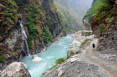 Zwischen den Dörfern Khotro und Tal entlang des Marsyangdi-Flusses