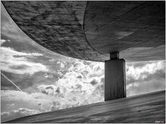 Zwischenraum mit Himmel