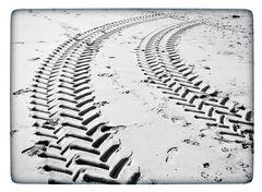 Zwoa Spuren im Schnee ...